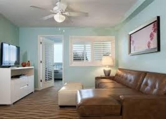 One Bedroom Ocean Front (A366)