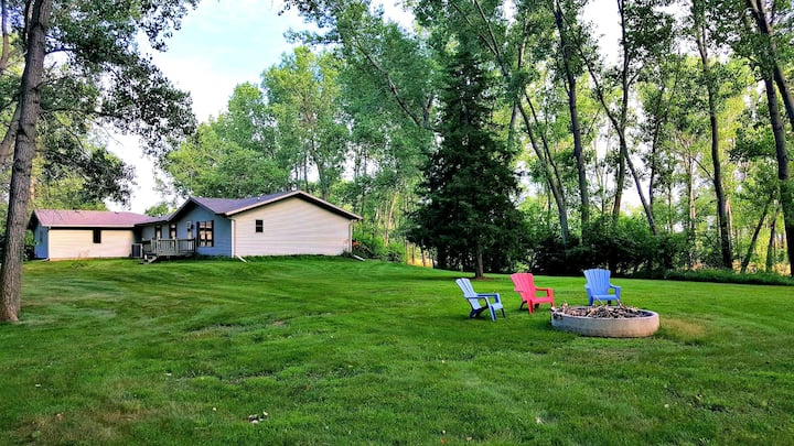 Nature Retreat! Private Cabin, Hot Tub, Campfire