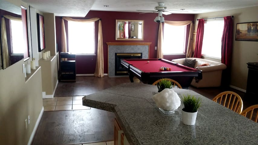 Huge, Comfy Private Basement Apartment - North Salt Lake - Apartament
