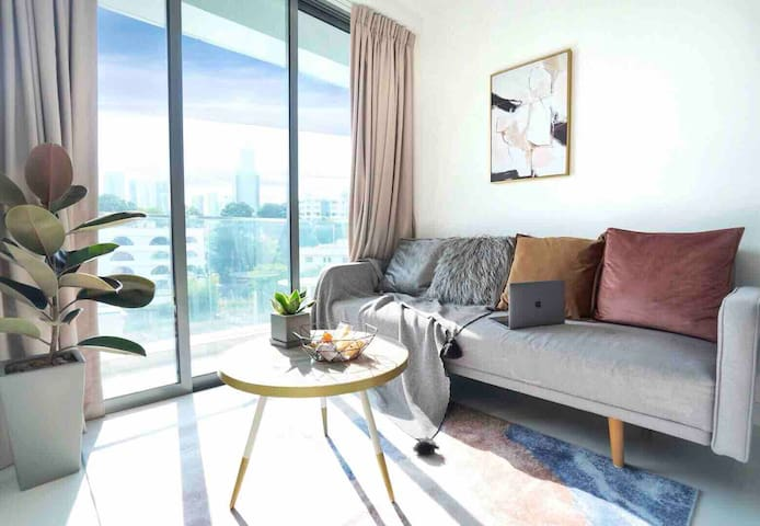 *NEW* Modern priv 2BR apt in the heart of Orchard
