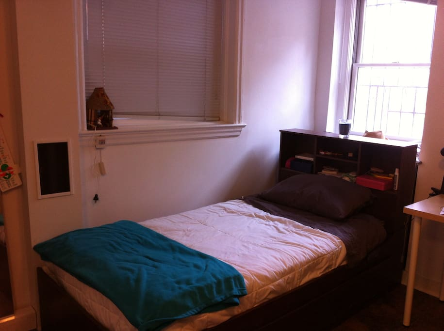 Single bed (includes bed linen)