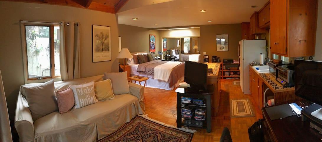Enchanting Palisades/Santa Monica Guest House - Pacific Palisades - Pension