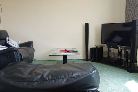 apartment for rent sleep 4. Parking - Milford Haven - Apartament