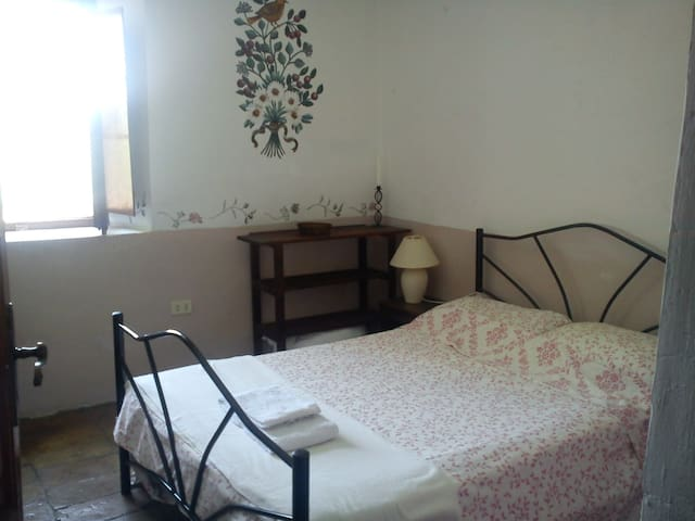 Comfortable double room in villa