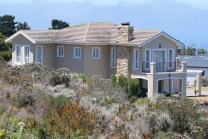 D/Storey Holiday Home - Pezula Estate-Knysna