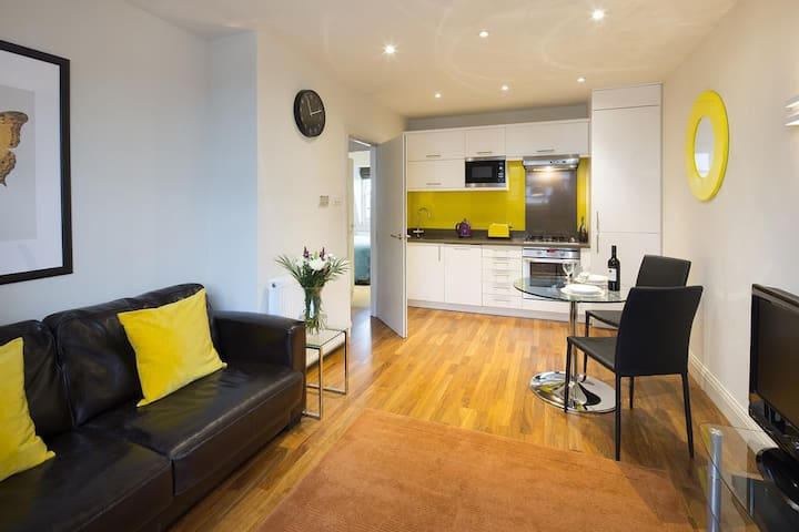 Urban Stay - Deluxe 1-Bed 1-Bath Portobello Market