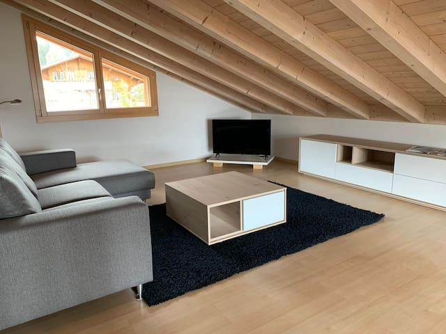 GSTAAD Region - charming 80m2 duplex chalet
