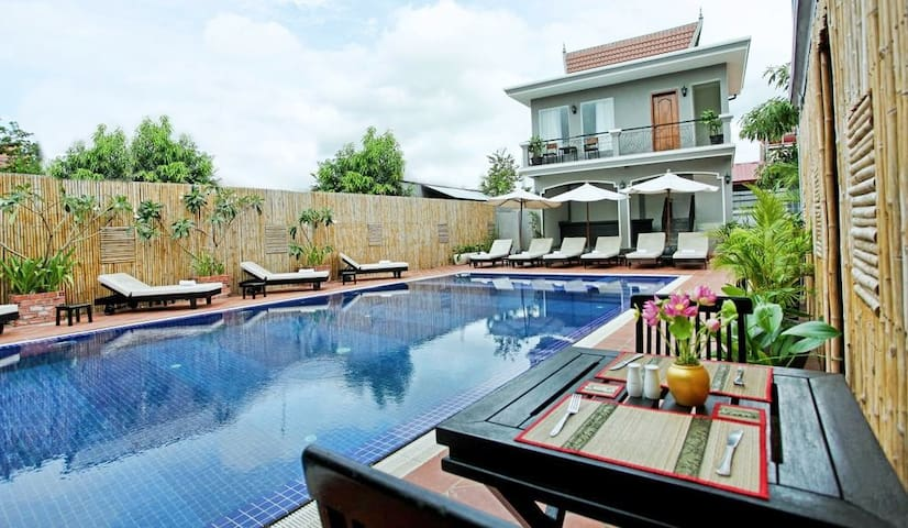 Deluxe Twin room with Pool View +BF+ Free Pick up