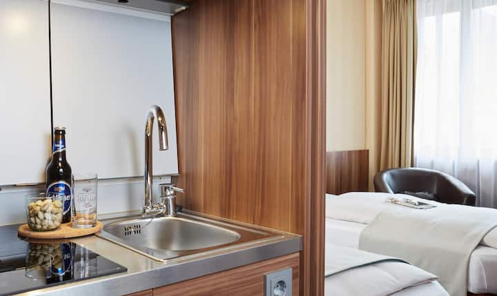 Quiet all-in-one apartment in prime location