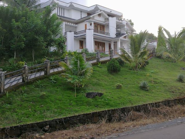 Viewpoint Wayanad vellamunda