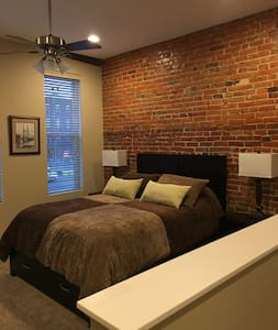 Long term studio apartment in downtown Burlington