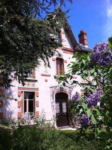 Maison de vacances 4 étoiles Langeac Auvergne - Langeac - House
