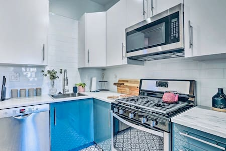 NEW! Oceanside Bungalow - 2 Mins to the Harbor!