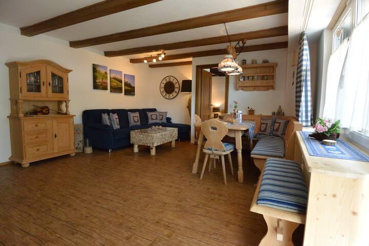 Schöne alpenländische Wohnung mit 2 Schlafzimmer.