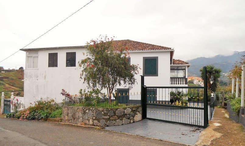 Bel appartement à Madère (Santana)
