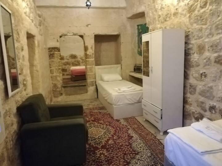 Historical Stone House-Tarihi Taş Ev HAYYAM (WIFI)