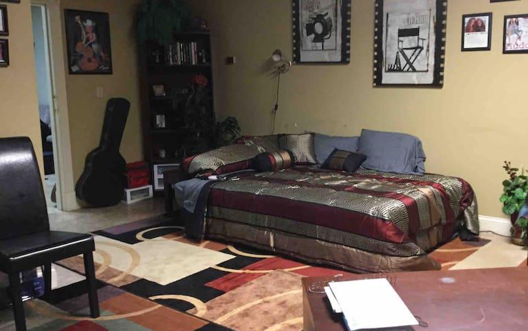 Studio Guest Room B
