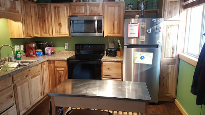 ☆Cozy updated cabin near Clam Lake☆