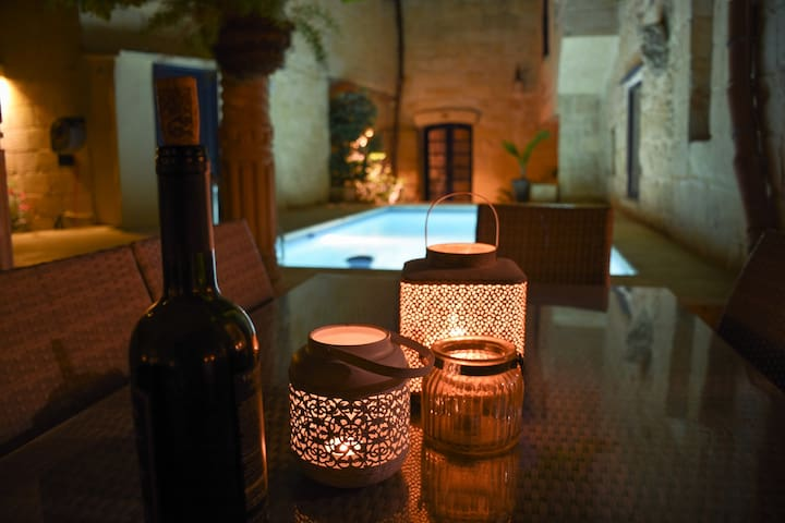 House of Character Qrendi - Qrendi - Bed & Breakfast