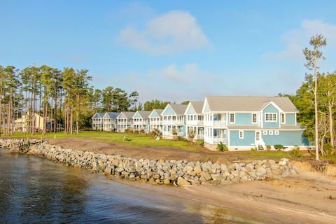 Neuse Village #8 - Fun in the Sun! Great water views and a beach to boot