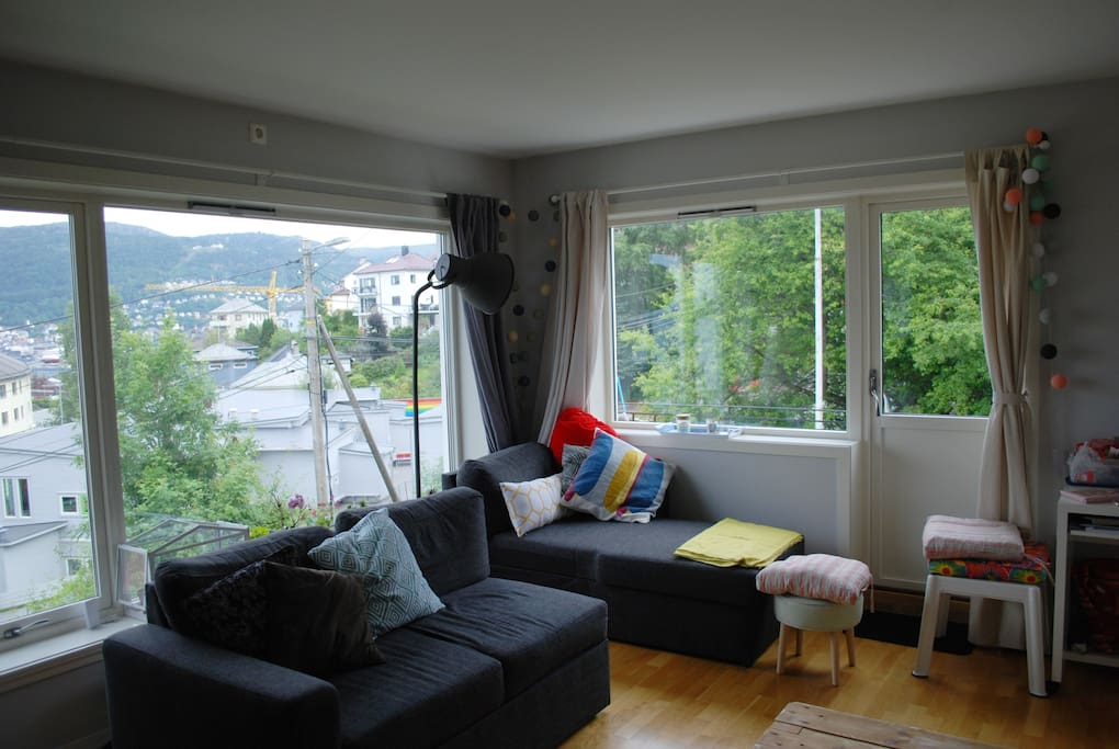 Living room and access to balcony
