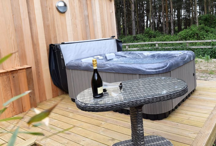 Panshill Accommodation Luxury Lodge with hot tub