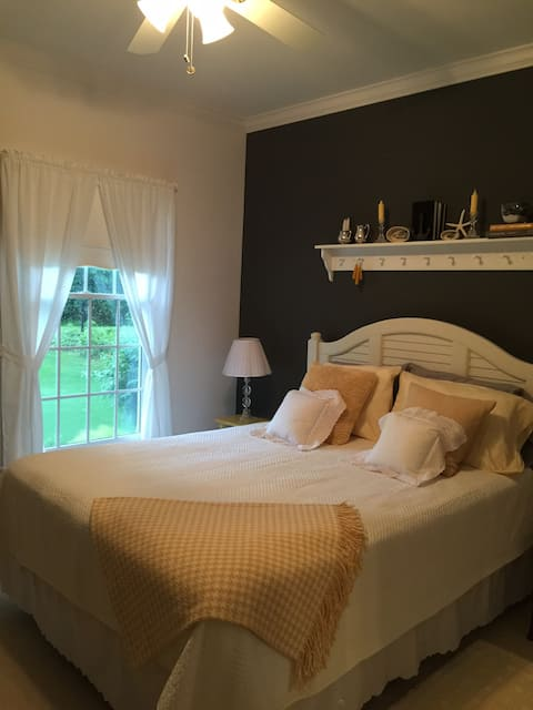 Queen Bedroom and Private Bath