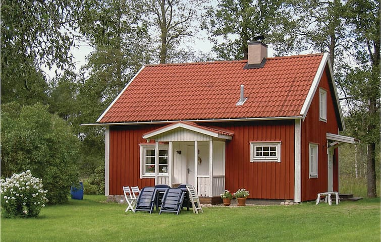 Holiday cottage with 1 bedroom on 65m² in Vimmerby