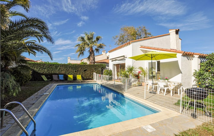 Amazing home in St. Cyprien Plage with 2 Bedrooms and Outdoor swimming pool