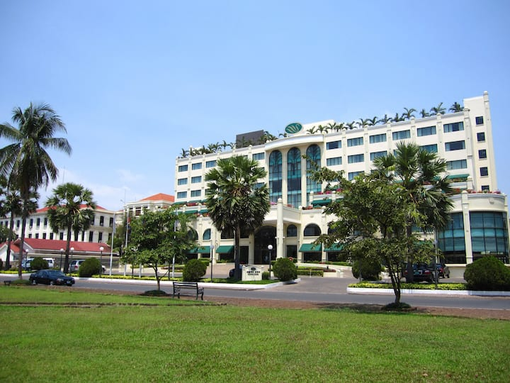 Sunway Hotel Phnom Penh-Deluxe Double or Twin Room