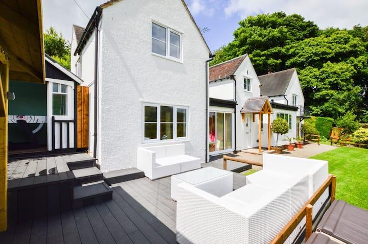 CLEARVIEWS: amazing views, five en-suites and spa