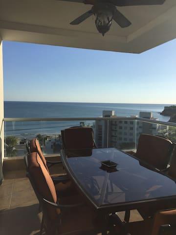 Relaxing Ocean Front apartment