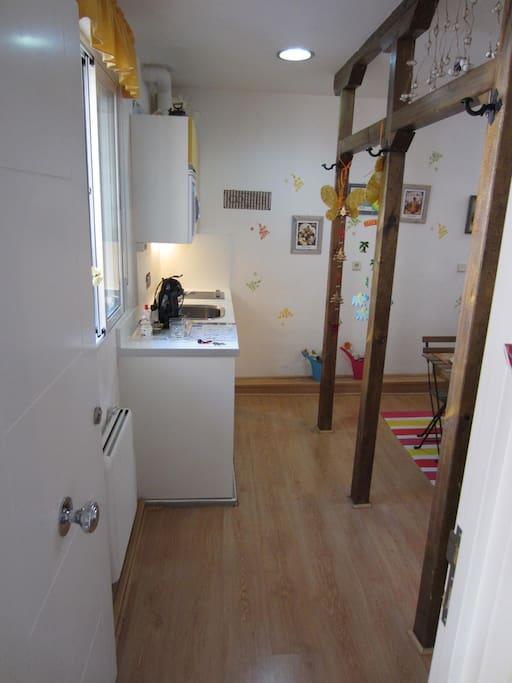 A27i estudio en centro de madrid low cost wifi for Appartamenti amsterdam centro low cost
