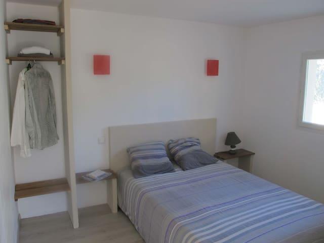 charmante petite maison en pierre et bois - Bonifacio - Hus