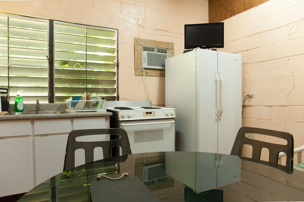 Equipped kitchen, WIFI, Cable TV and dinning room
