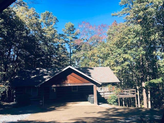 Cozy Log Cabin Retreat