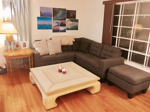 Cozy 2 Bed + Office Close to Downtown Royal Oak! - Royal Oak - House