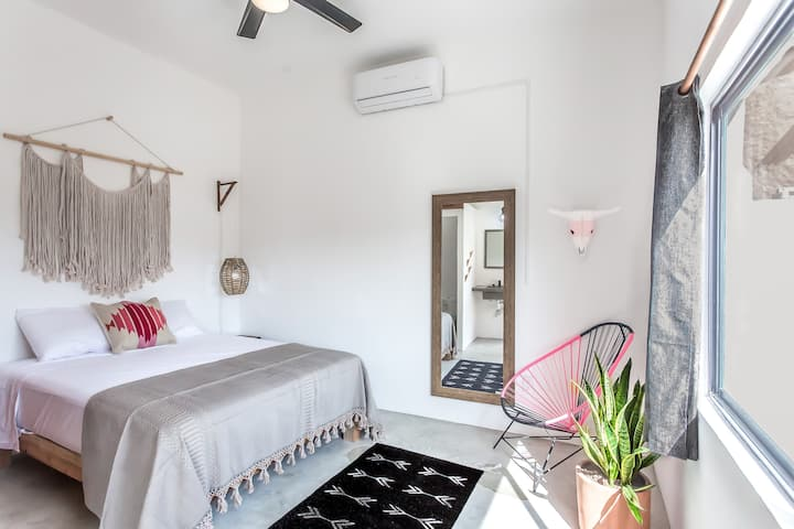 NEW Boho Studio Suite ♥ Location⋆A/C⋆Sayu Vibes
