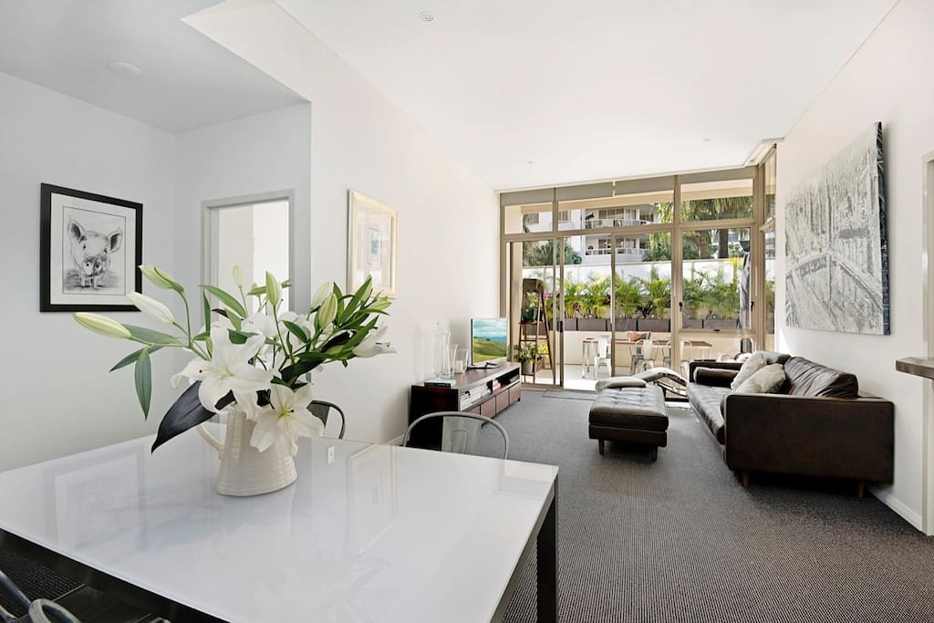 Open plan living with 2 bedrooms