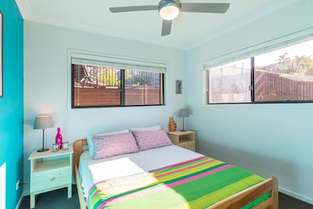 Relaxing, private room with pool and private bath - Woombye - Ev