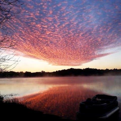 Howes Lake Escape
