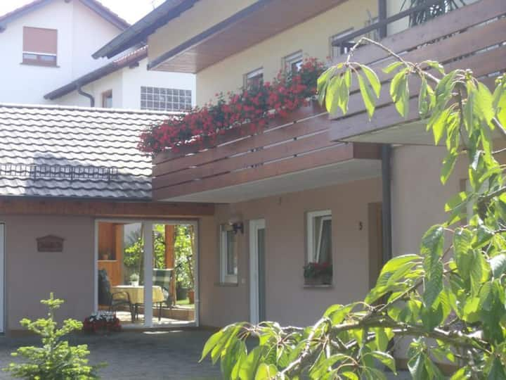 "Charming Apartment ""Ferienwohnung Grauer"" close to Lake Constance with Wi-Fi, Terrace & Garden; Parking Available"