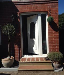Family home close to Brighton - Southwick
