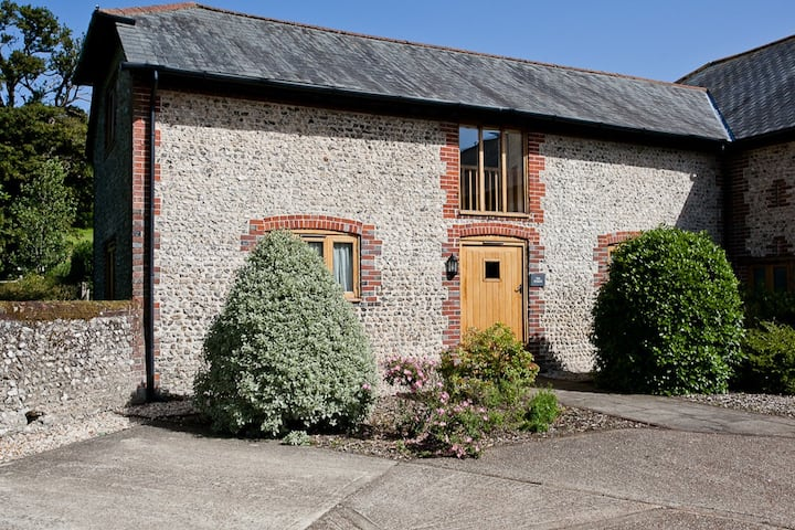 The Stables, Pitlands Barns