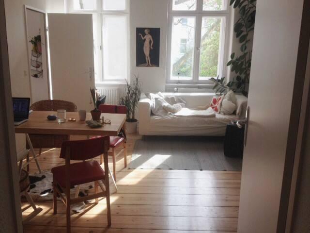 Schöne Altbauwohnung im Herzen Neuköllns - Berlin  - อพาร์ทเมนท์