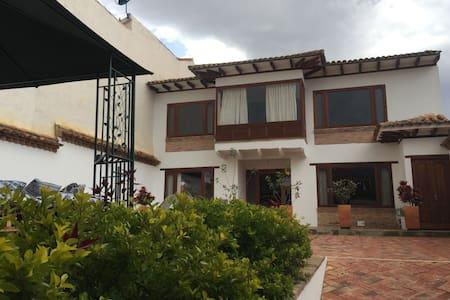 HOSTAL XUE - HABITACIÓN 104 - Villa de Leyva - Talo