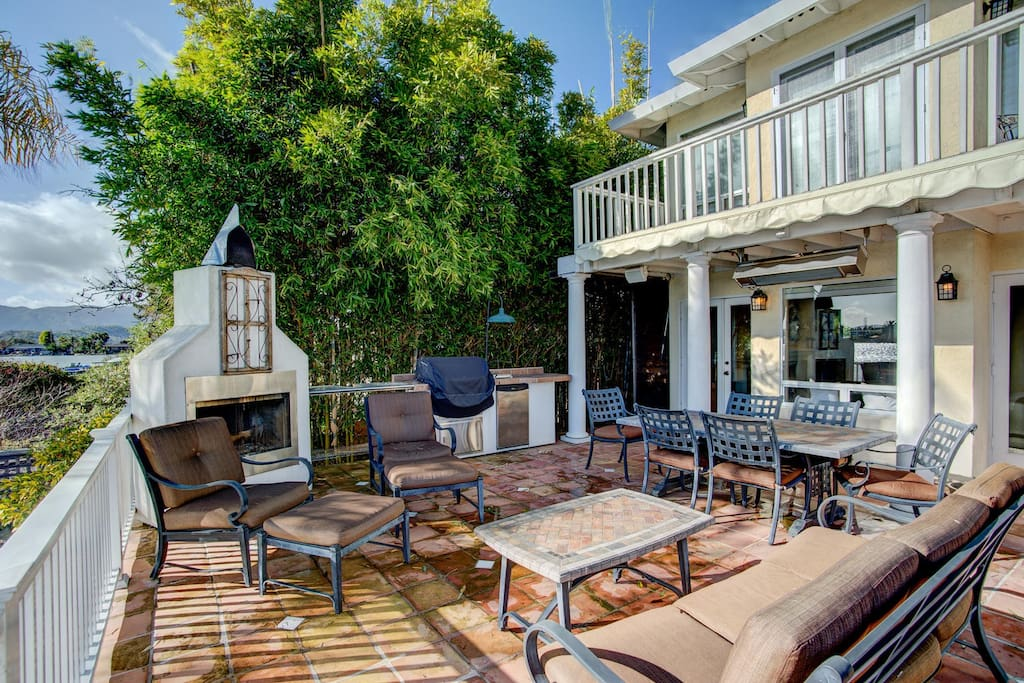 Outdoor living with built-in Gas BBQ and heater