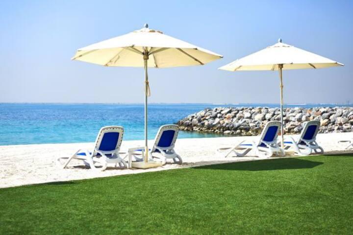 Comfy Studio with Sea View & Private Beach