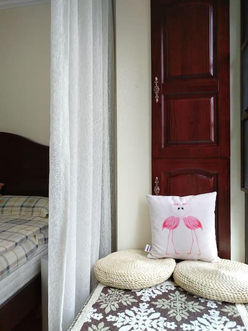 你将要入住的卧室的飘窗