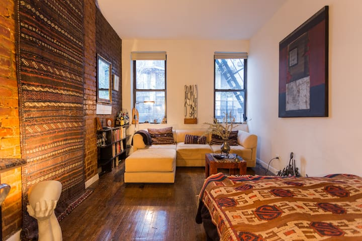 JUST-RENOVATED: Gem-like UES writer's studio